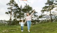 نصائح لك لعلاج تعلق طفلك الزائد بك