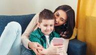 التقاط الصور لأطفالك، هل يكون مؤذيًا لهم؟