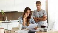 كيف تتعاملين مع الأزمات المالية التي تواجه أسرتك؟