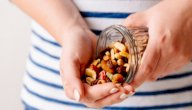 25 فكرة لسناكس تناسب أكل الرجيم بأقل من 100 سعرة