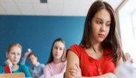 كيف تدعمين ابنتك لمواجهة آثار التنمر وتجاوزها؟