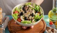 طريقة عمل سلطة التونة للدايت: وجبة خفيفة للعشاء!
