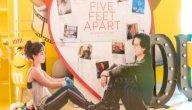 قصة فيلم Five Feet Apart: حين يبعدك المرض عمن تحب!