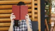 حزامة حبايب: هل كانت رواية مخمل سببًا لشهرتها؟