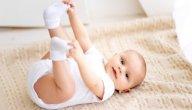 أسباب تعرق اليدين والرجلين عند الرضع