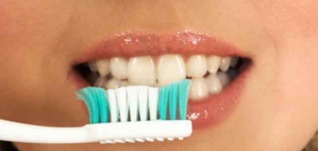 طرق تبيض الاسنان بالمنزل