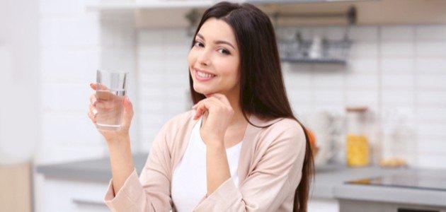 هل توجد فوائد لشرب الماء على الريق؟