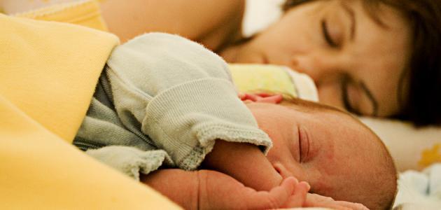الإعتناء بالأطفال الرضع