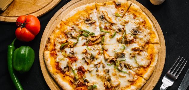 طريقة عمل بيتزا الدجاج