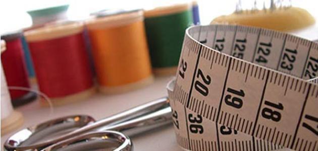 أدوات خياطة وتطريز