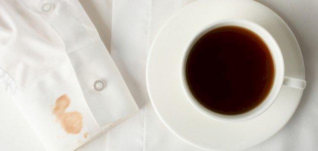 طريقة إزالة بقع الشاي من الملابس