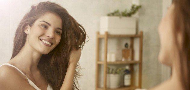 كيفية جعل الشعر رطب