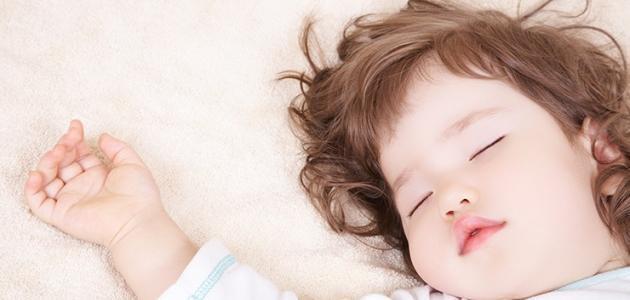 كيف انظم نوم طفلي عمره سنه