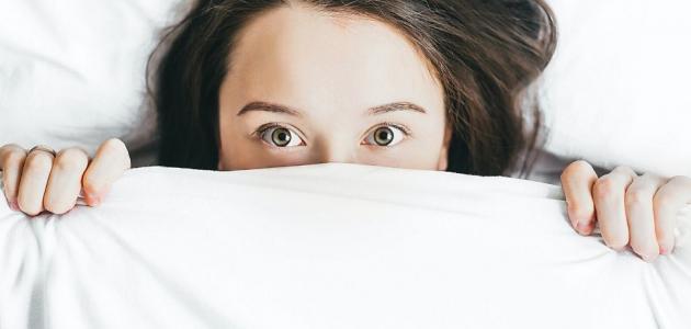 هل النوم بإضاءة يزيد من وزنك؟
