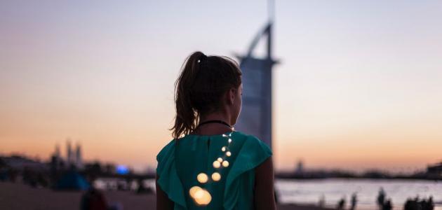 ما رأيكِ بجولة سياحية في دبي وأنت في منزلك