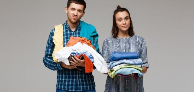 من يتحمل أكثر الزوج أم الزوجة العاملة