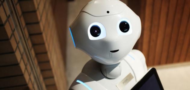 هل يشكل الذكاء الاصطناعي خطرًا على وظيفتكِ؟