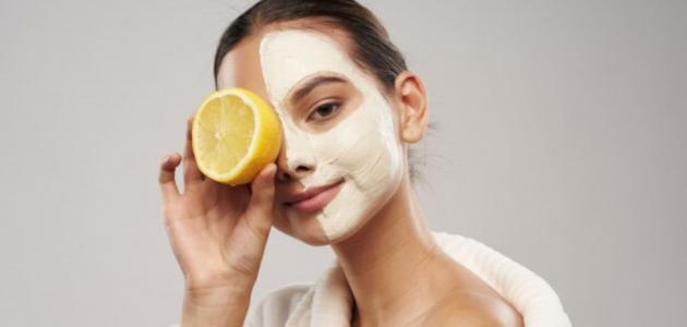 12 وصفة من الطبيعة لترطيب الوجه