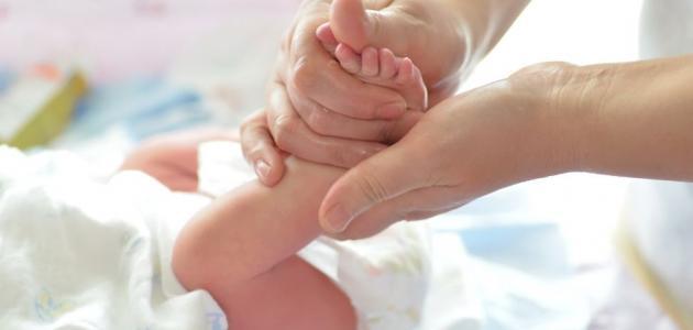 أهمية حاسة اللمس والتدليك في تنمية قدرات طفلك