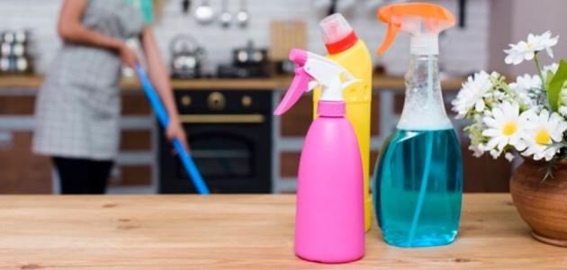 لكِ مكونات من منزلكِ تغنيكِ عن استخدام المنظفات الصناعية