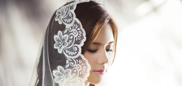 طرحات العرائس للمحجبات وهل يناسبها التاج؟