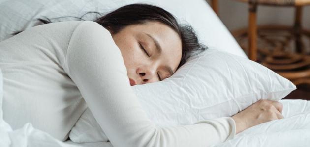 أضرار النوم في النهار