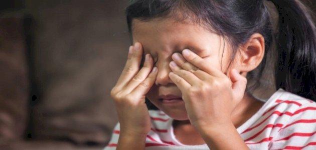 ماذا تفعلين عندما يخبرك طفلك بأنه لا يحبك؟