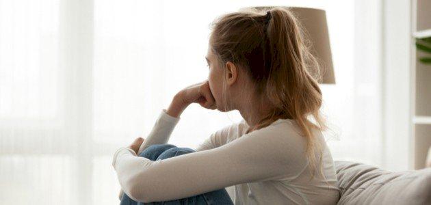 آثار التنمر على الفتيات في مرحلة المراهقة