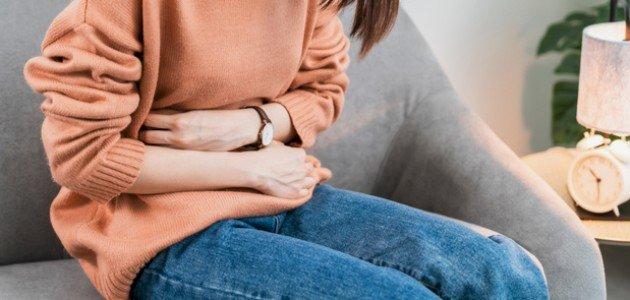 هذه الأكلات هي من أهم أسباب ألم المعدة، تجنبيها!