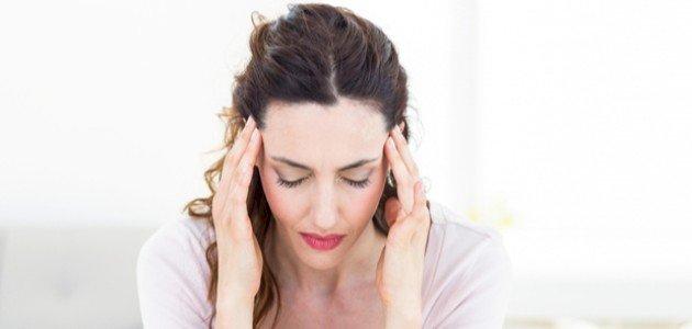 أسباب ألم الرأس عند تحريكه
