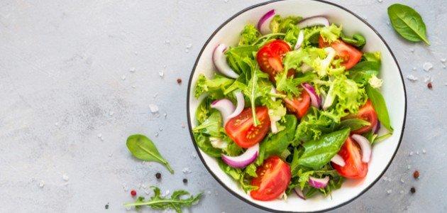 كيف تحضرين سلطة الخضروات للرجيم؟ وما فوائدها؟
