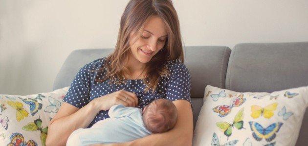 طريقة الرضاعة الطبيعية لحديثي الولادة: ونصائح للأم الجديدة!
