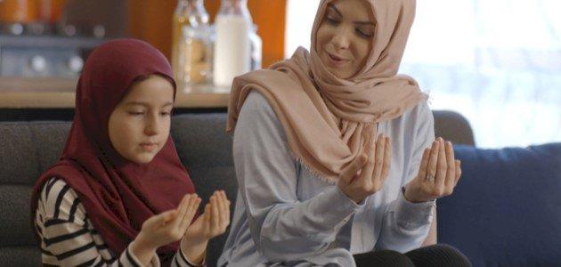 فوائد أذكار الصباح والمساء وكيف تبدأي تعليمها لأطفالك؟
