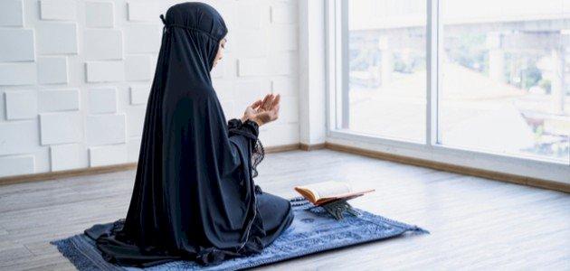 فوائد الأذكار بعد الصلاة: عليك قراءتها!