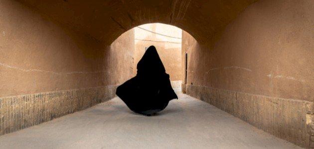 الخيزران بنت عطاء: هل هي من قتلت ابنها؟