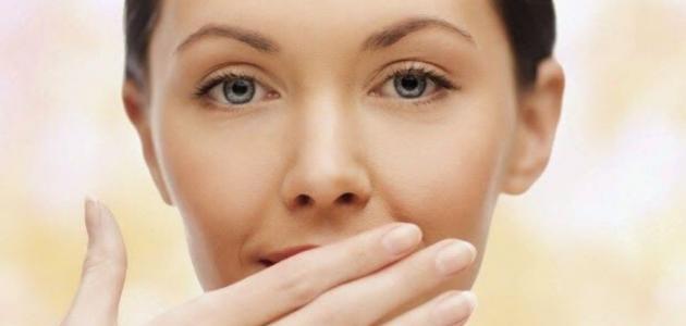 ازالة ريحة الثوم من الفم