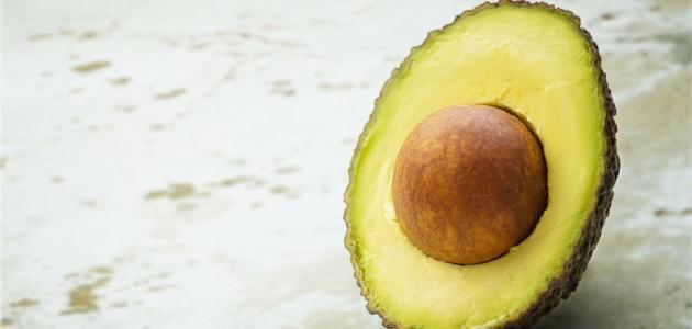فوائد الافوكادو للبشرة الدهنية