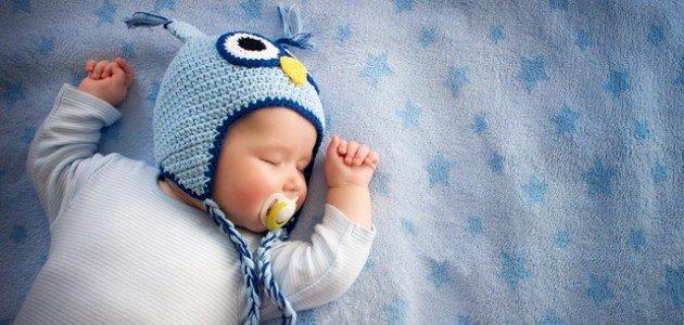 طريقة نوم الطفل الرضيع