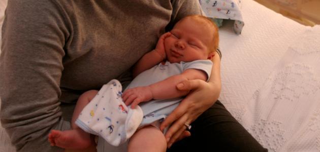أسباب الرعشة عند الأطفال حديثي الولادة