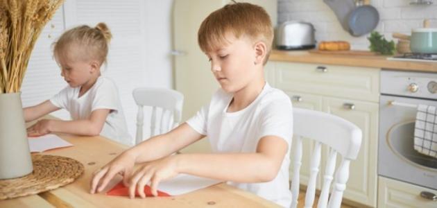 ألعاب أطفال يدوية