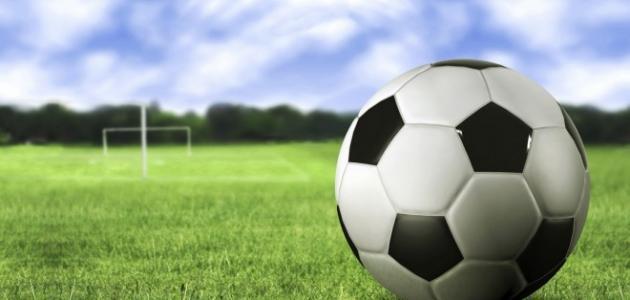 اعمار لاعبين كرة القدم