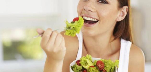 أطعمة تساعد على نمو الشعر